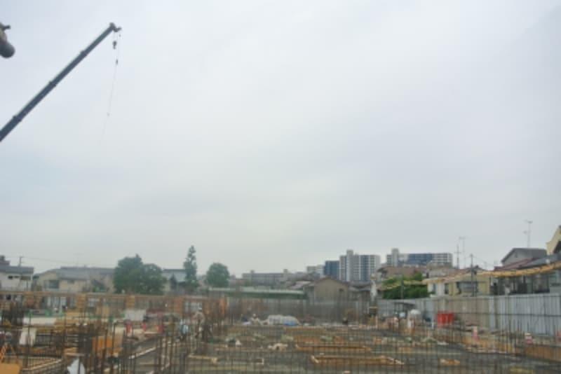 建設中の現地