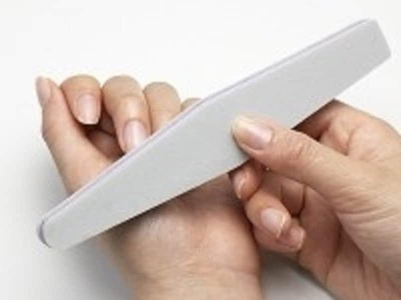 ネイルケアの基本!自宅でできる甘皮処理、表面磨きなど簡単ケア術