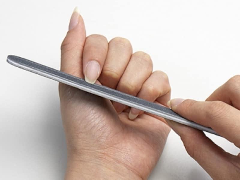 爪を先端から削る