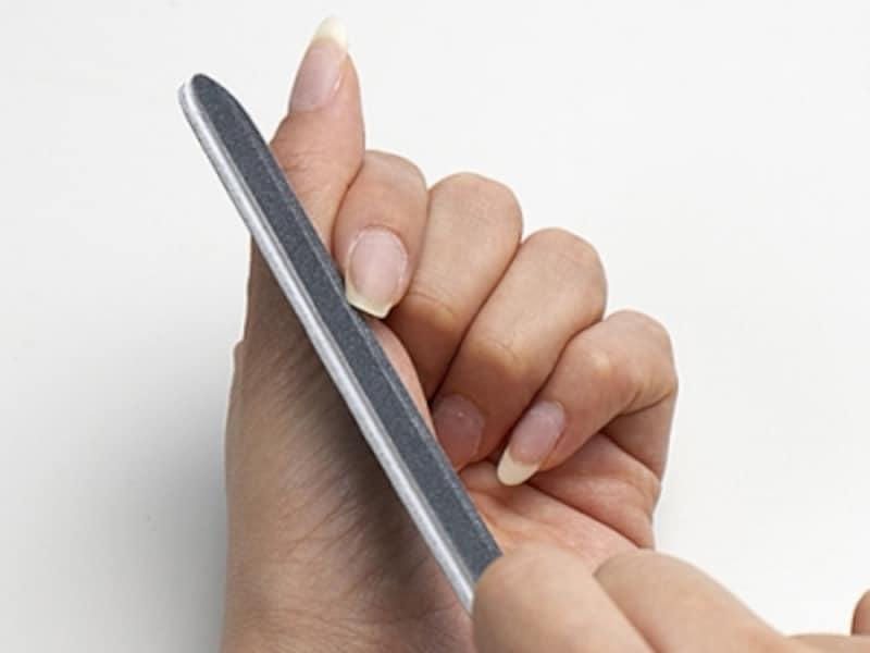 爪の両サイドを削る