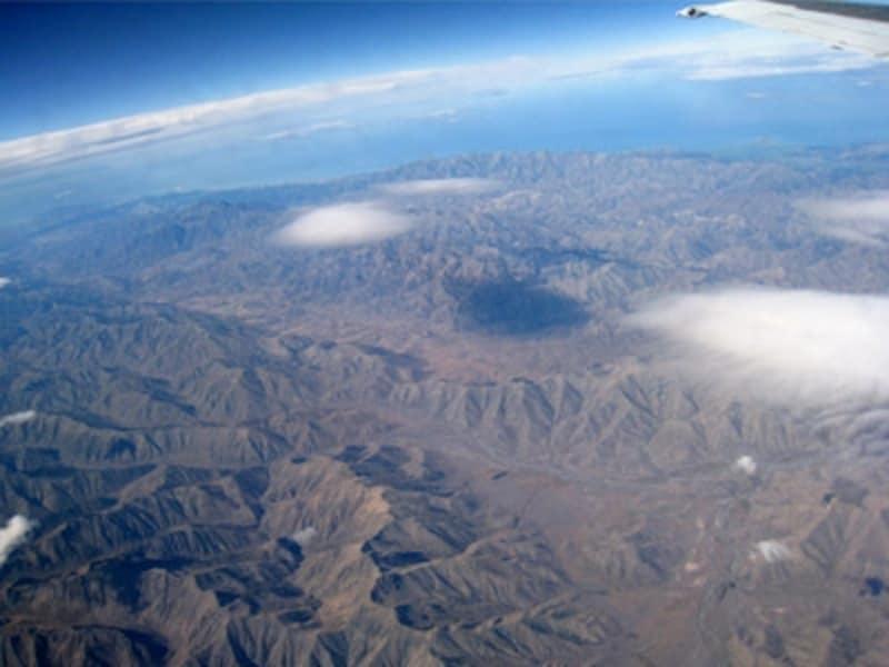 ニュージーランド上空。迫力はる風景が続く