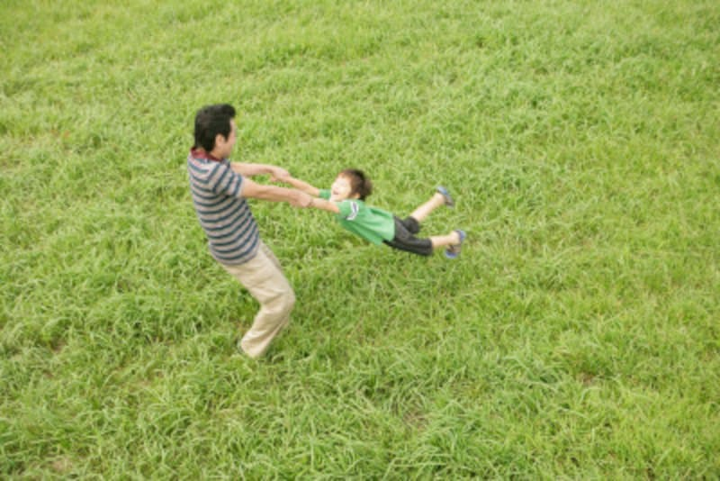 父親にしかできない遊びを全力で行う理想の父親