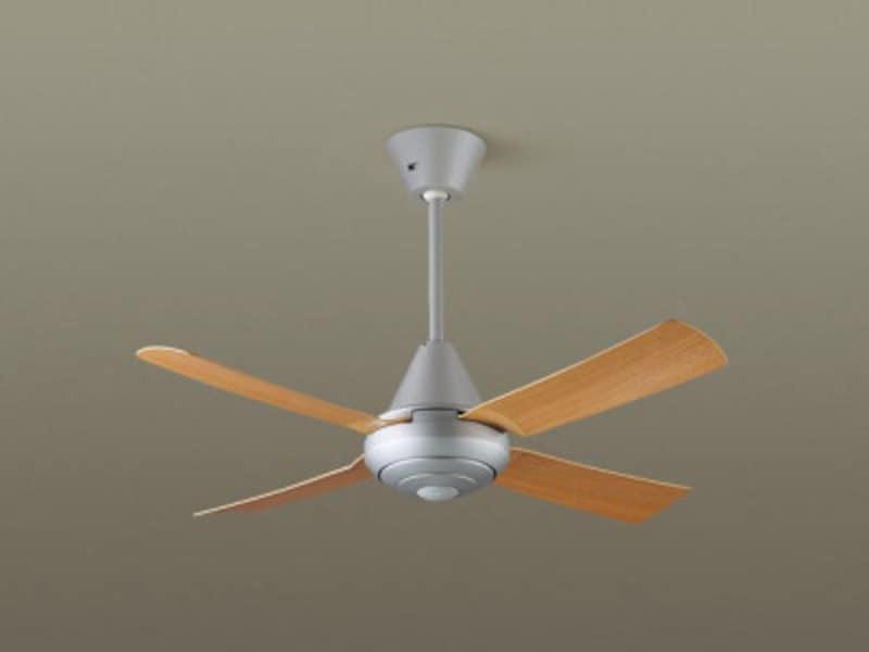 吹き抜け天井などに設ければ、空気が淀む心配もない。[吊下型 シーリングファン 27W・ACモータータイプ・直付ボルト取付専用] パナソニックエコソリューションズ http://sumai.panasonic.jp/