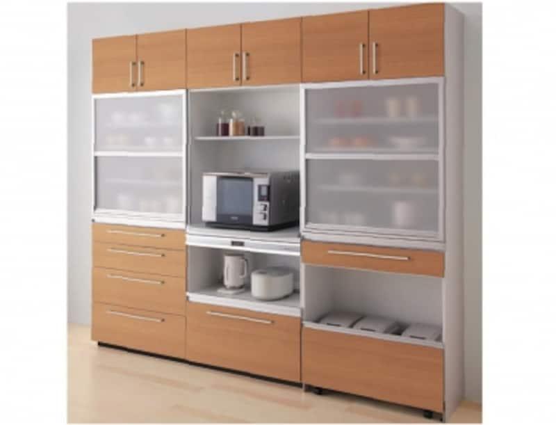 壁面収納ユニットにスペースを確保するケースも多くみられる。周辺ユニットundefined壁付け収納。[サ・クラッソ]undefinedTOTOundefinedhttp://www.toto.co.jp/