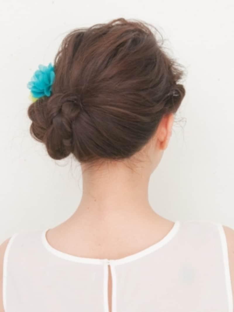 「アナと雪の女王」エルサ風まとめ髪ヘアアレンジ