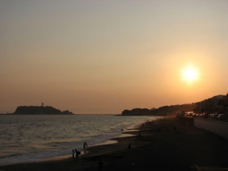 夕暮れの稲村ヶ崎からの眺め