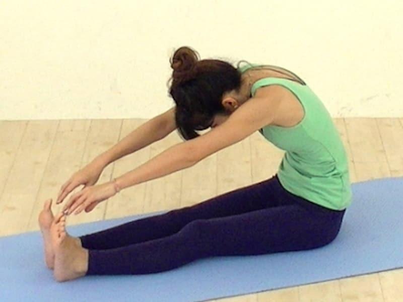 脚の筋肉が震えるほど、伸ばしすぎていませんか?呼吸も止まっていませんか?