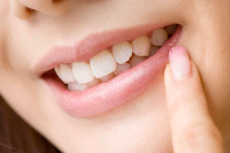 歯が抜けると顔のシワやたるみが増える?