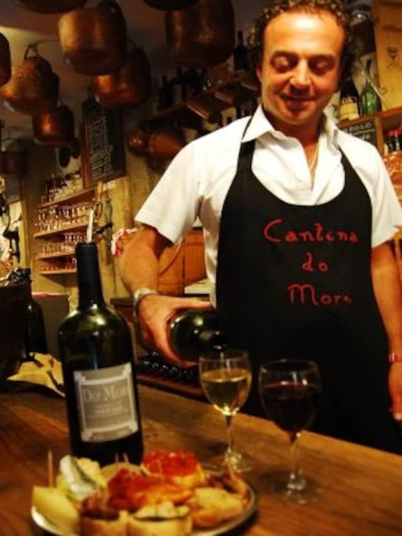 リストランテ、トラットリア、エノテカ…イタリアでは、ワインはどこでも飲める身近なもの