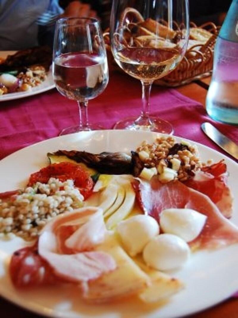 美味しいワインと美味しい食事は、イタリア旅行の醍醐味!