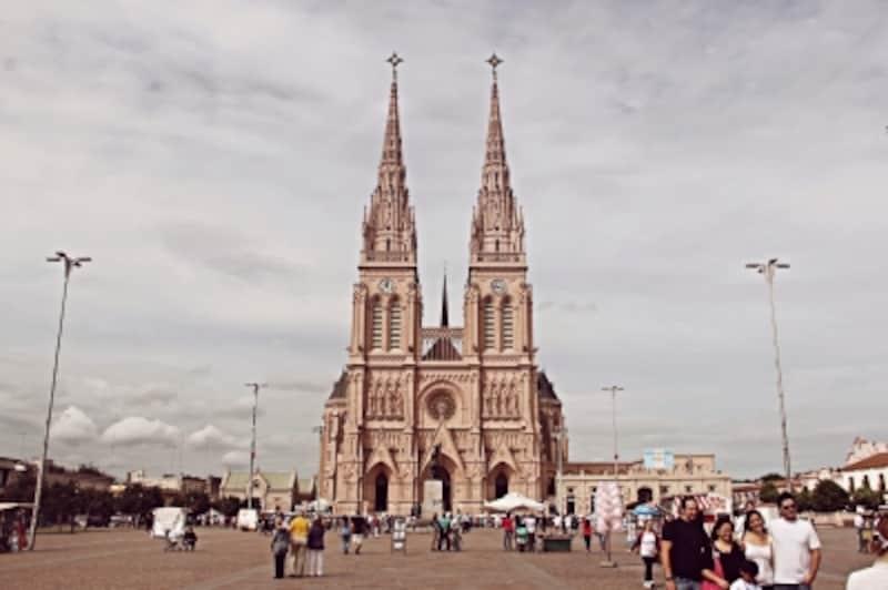 ルハンの大聖堂はアルゼンチンの聖地のひとつundefined写真提供:MaxElbo(日々enBs.As.→メキシコ)