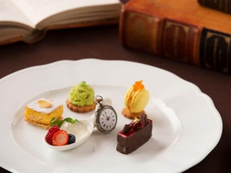 時忘れのお茶会undefinedミニャルディーズ「時を旅するコース仕立てundefined1800円」