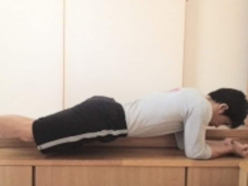 腰の痛みがある人は、無理をして行わないようにしましょう