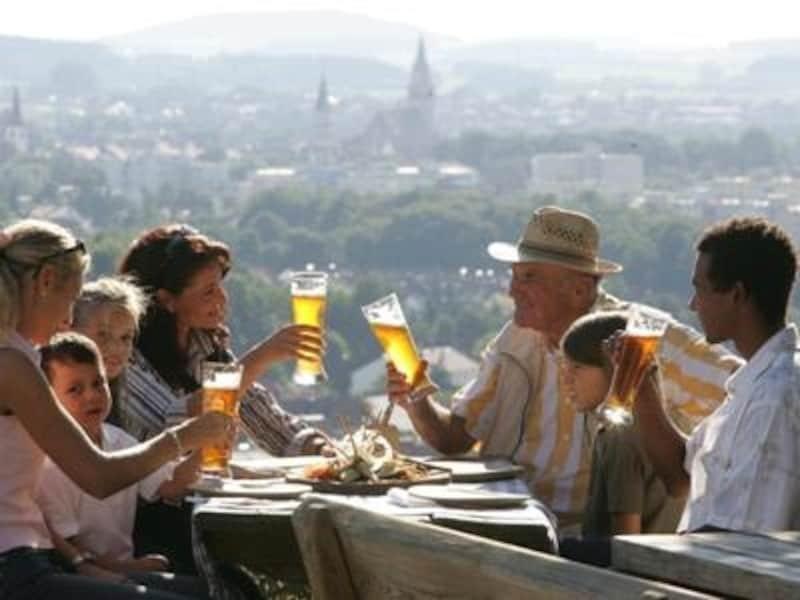 バリエーション豊かなドイツビールなら老若男女問わず誰でも好みのタイプが見つかるはず©Malter,Erich/Tourist-InformationNeumarkt