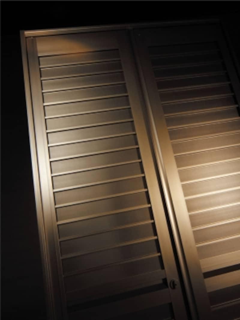 おしゃれな玄関網戸型スクリーン
