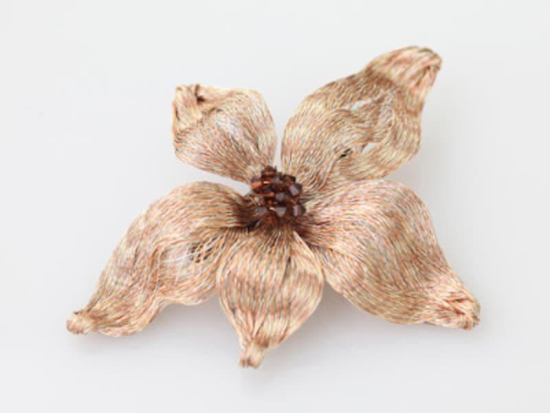 花モチーフのバレッタ