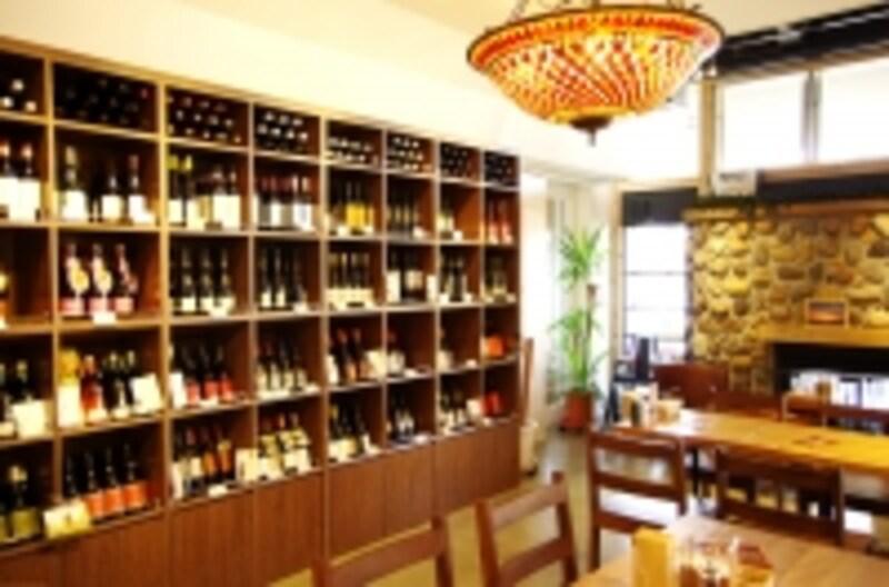 ワインは2000円台からあり!