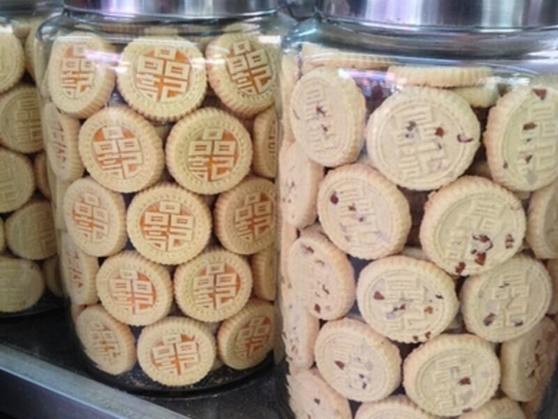 マカオ名物のアーモンドクッキー。写真は晶記の商品