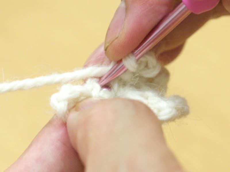 細編みの頭を拾う