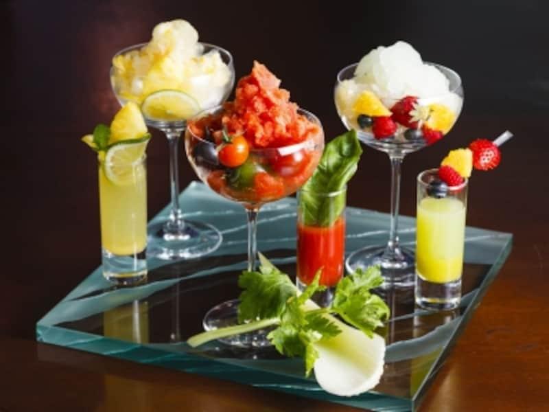 「ストリングスホテル東京」に今年初登場の、お酒の効いた「大人のかき氷」3種(各税サ別1,300円)