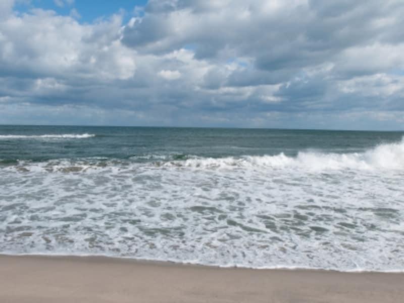 鯨波海水浴場。シャワーあり・海の家での着替えも可能です