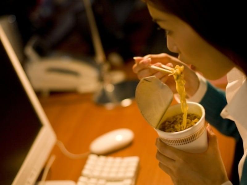 夜食はNG!は分かっているけど、忙しくてついつい……という人も多いはず。