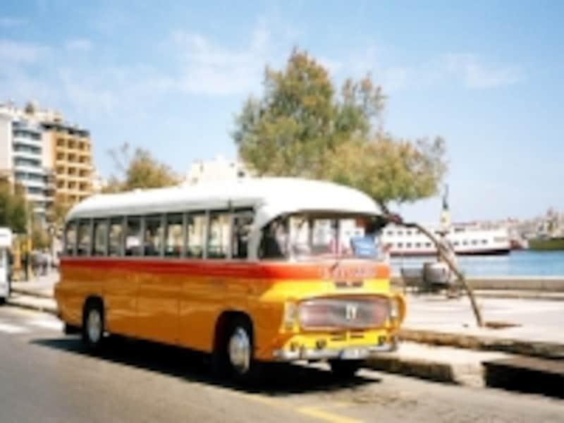 郷愁をさそうレトロなマルタバス