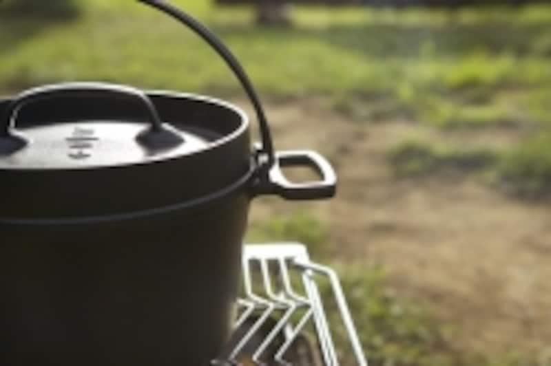 鋳物の鍋ダッチオーブン