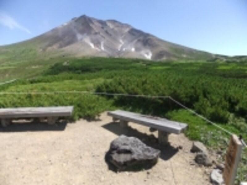 第二展望台から眺める旭岳