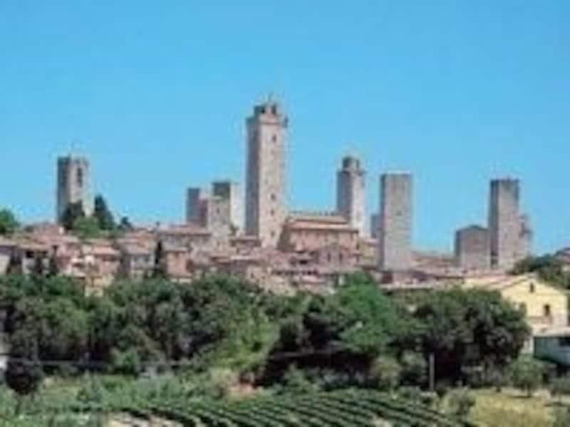 絵葉書の中に迷い込んだような気分になれる美しい中世の町