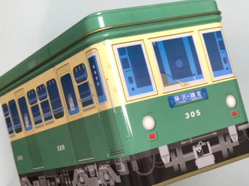 リアルに近い江ノ電が缶にデザインされ、中には瓦焼きせんべいが入った「江ノ電缶」