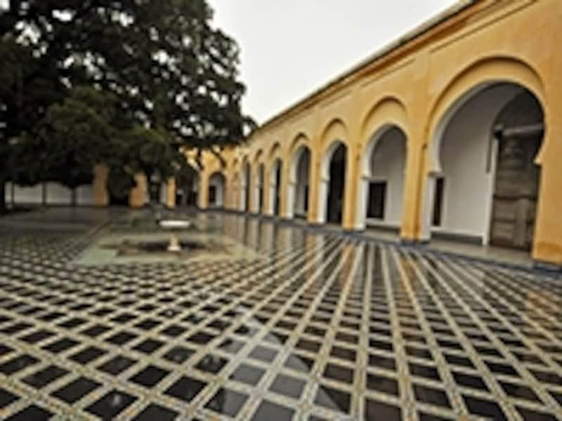 ダール・バトハ博物館