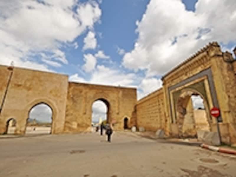 ブー・ジュルード宮殿近くの門