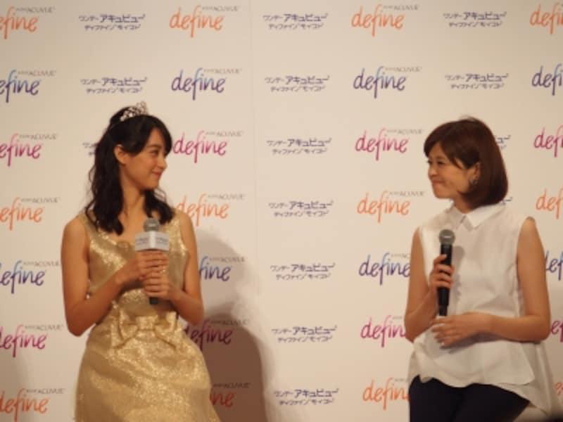 女性の輝きについて語る山本美月さん(左)と新見千晶さん(右)。