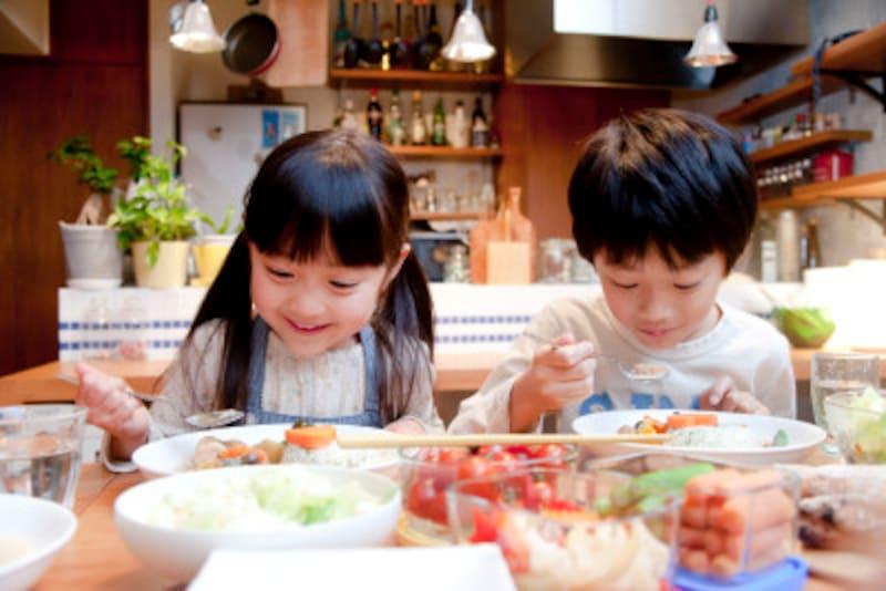 乳幼児のうちに早めに対応することで、集団生活がうまくできるようになります