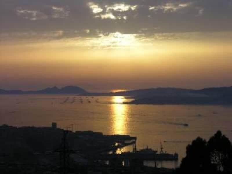 夕日が沈むころのビゴの街