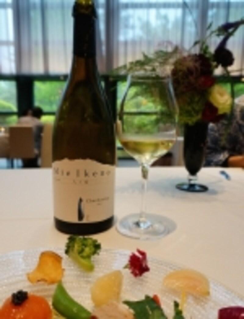 地元の食材を使った料理と地元のワインは最高の組み合わせ