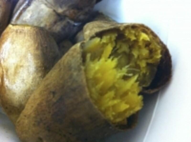 焼き芋にアーモンドやカシューバターをつけて食べれば簡単で嬉しいスイーツの出来上がり