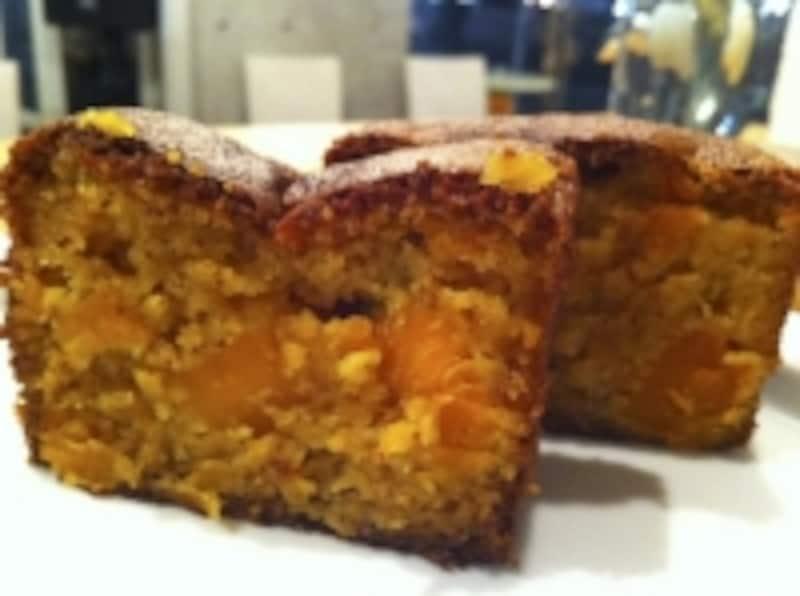 アーモンドフラワーで作ったふわふわ食感のかぼちゃパウンドケーキ