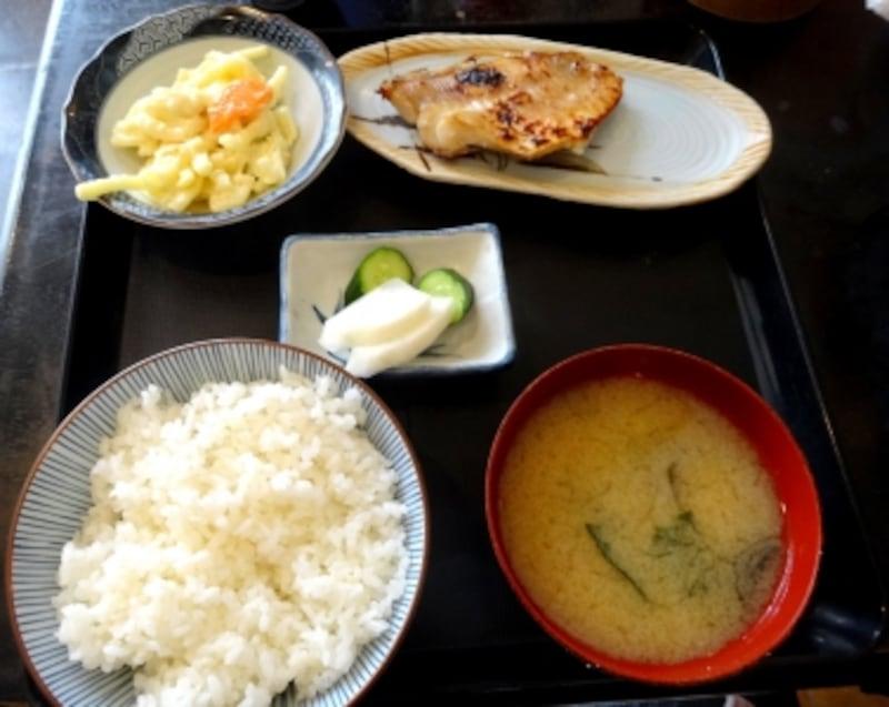 赤魚かす漬けはもちろん、ご飯、味噌汁、お漬物が旨い!