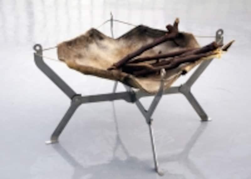 特殊耐熱布を使用したたモノラルの焚き火台