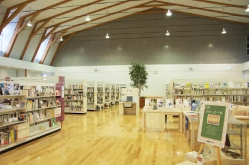 紫波町図書館の館内