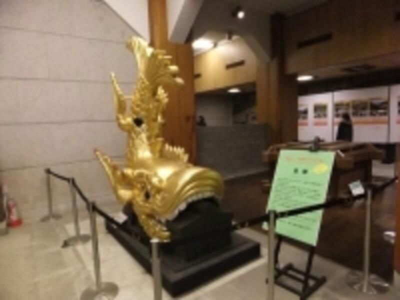 名古屋城(3)/金の鯱の実物大レプリカ