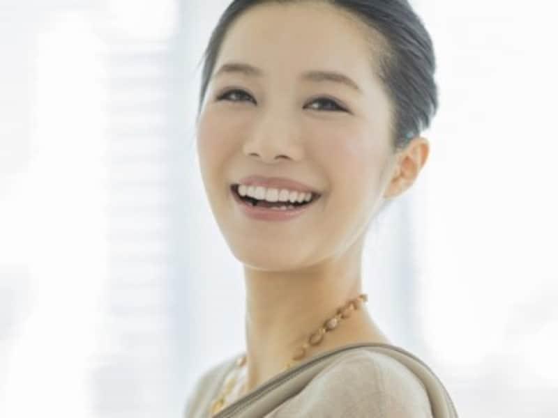 作り笑いの上手いやり方!CA流笑顔の3つのポイント&対策