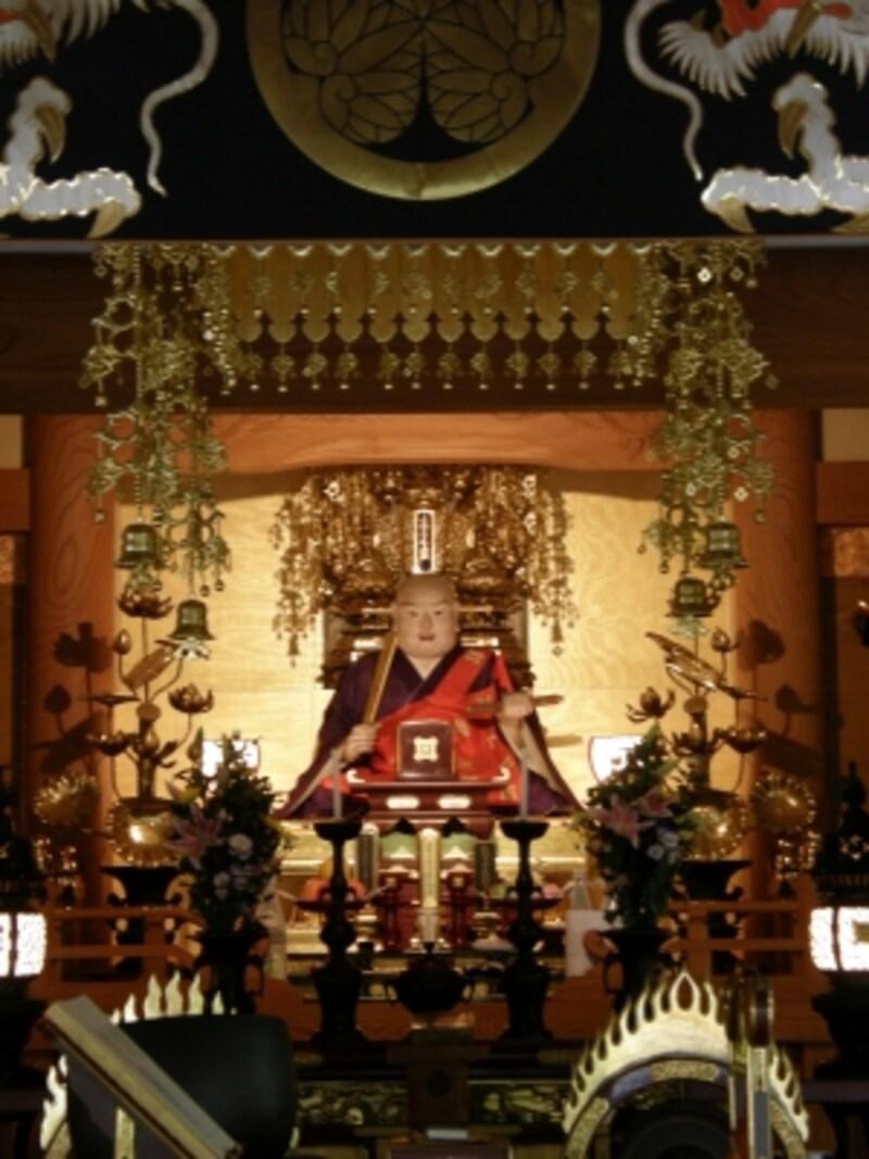 薬王寺の日蓮像