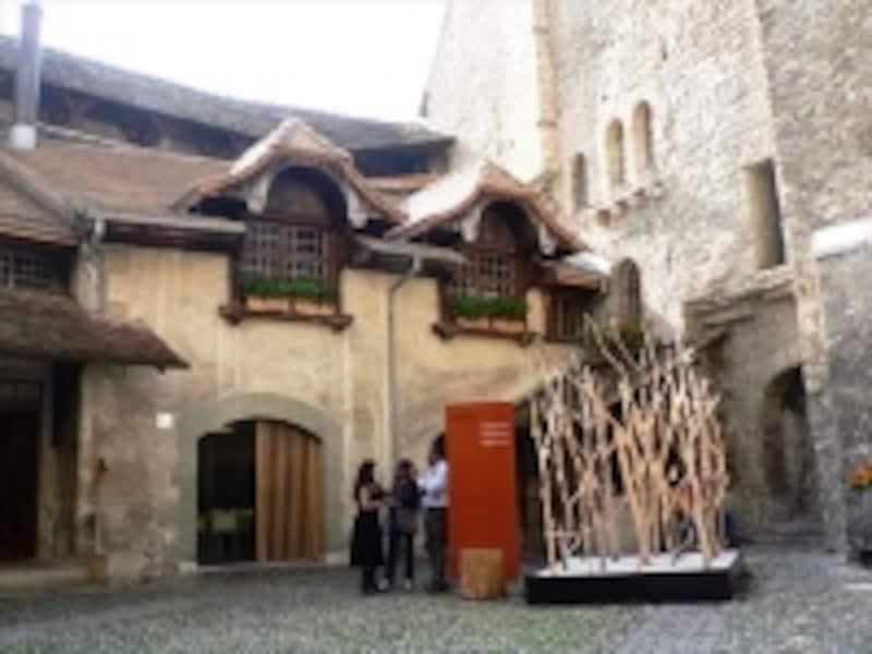 シヨン城の中庭