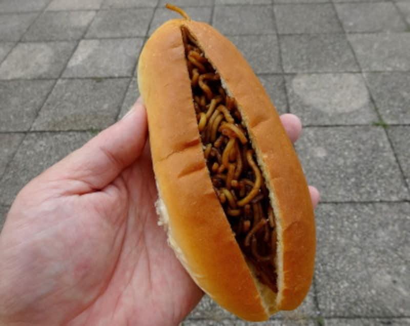 オオムラパンで購入した焼きそばパン 135円