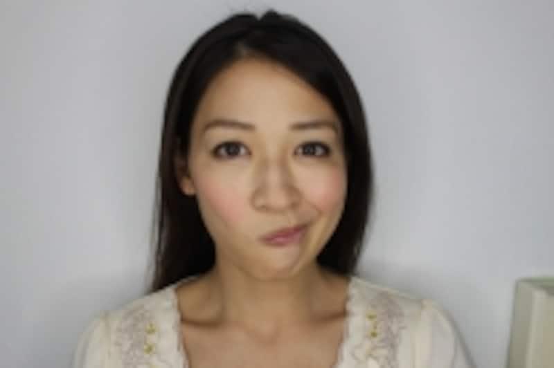 右頬の時は左を意識して。