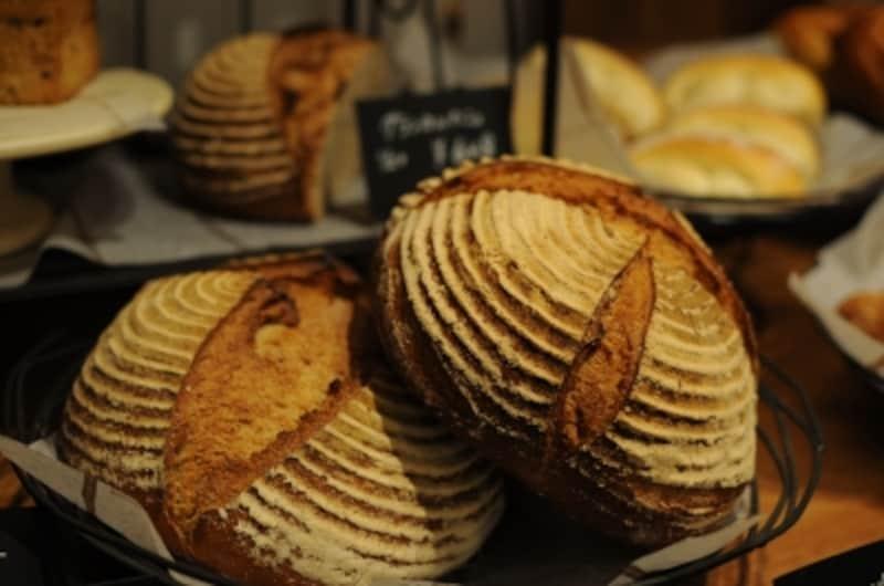 パンとケーキの小さな売り場も