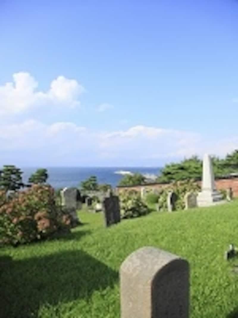 お墓の形も洋型を選ぶ人が増えている!